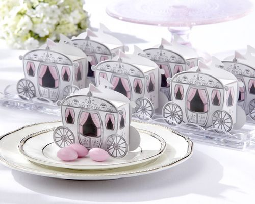 Carriage-favor-boxes-wedding-favors